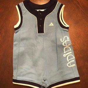 BOYS - Adidas one piece (6 months)